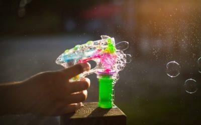 Pistolas de agua para niños y adultos