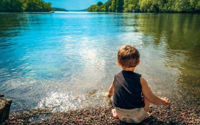 ¿Cuáles son los beneficios de jugar al aire libre?